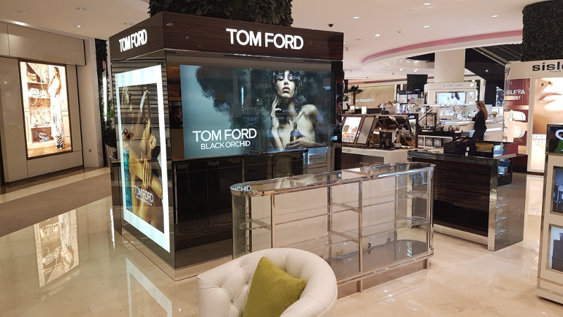 construccion de mobiliario comercial tom ford ultrafemme 2017 1