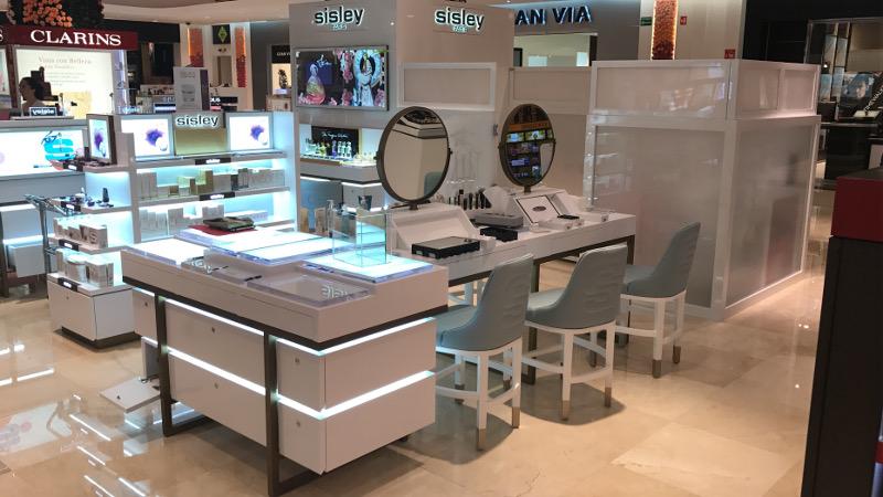 construccion-de-mobiliario-comercial-sisley-luxury-design-2