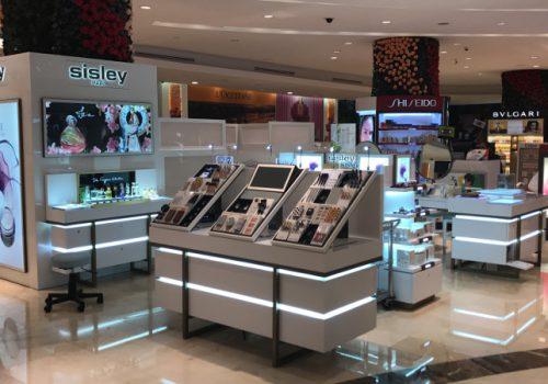 construccion-de-mobiliario-comercial-sisley-luxury-design