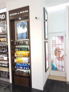 600w-fabricacion-de-mobiliario-comercial-lxd-acquadiparma-2017-4