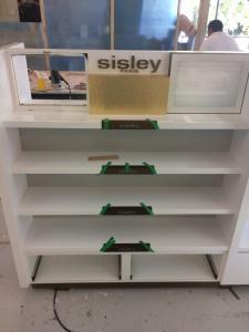 construccion-de-mobiliario-comercial-sisley-luxury-design-6