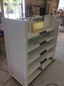construccion-de-mobiliario-comercial-sisley-luxury-design-7