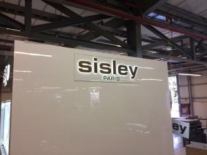 construccion-de-mobiliario-comercial-sisley-luxury-design-9