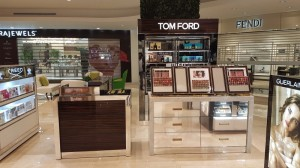 construccion de mobiliario comercial tom ford ultrafemme 2017