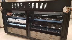 fabricacion-de-mobiliario-comercial-bobbi-brown-chetumal-luxury-design-1