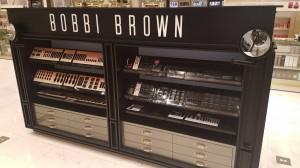fabricacion-de-mobiliario-comercial-bobbi-brown-chetumal-luxury-design-2