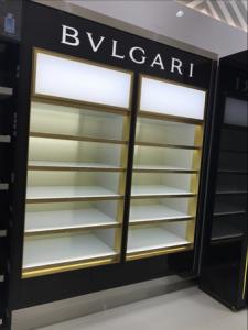 fabricacion-de-mobiliario-comercial-bvlgari-lxd-2018-3