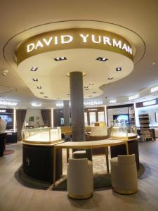 fabricacion-de-mobiliario-comercial-david-yurman-los-cabos-5